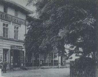 eine Fotoaufnahme um 1940 vom Hotel Goldener Stern - Inhaber Anton Raida (mein Urgroßonkel)